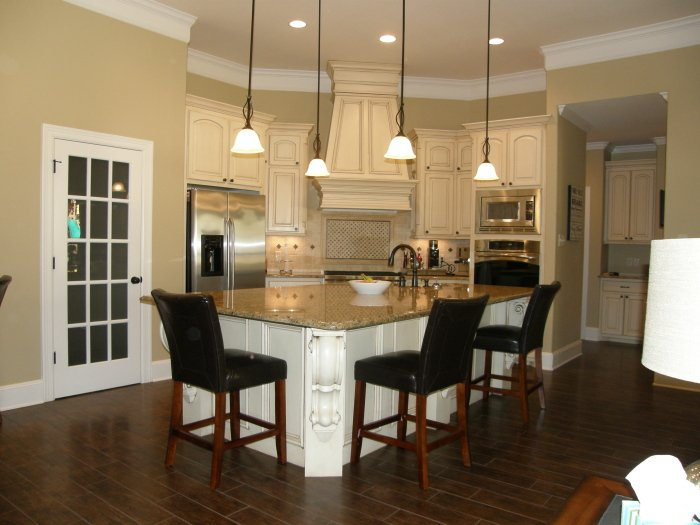 Liebrum construction and mike liebrum realty nacogdoches tx for Small white country kitchen